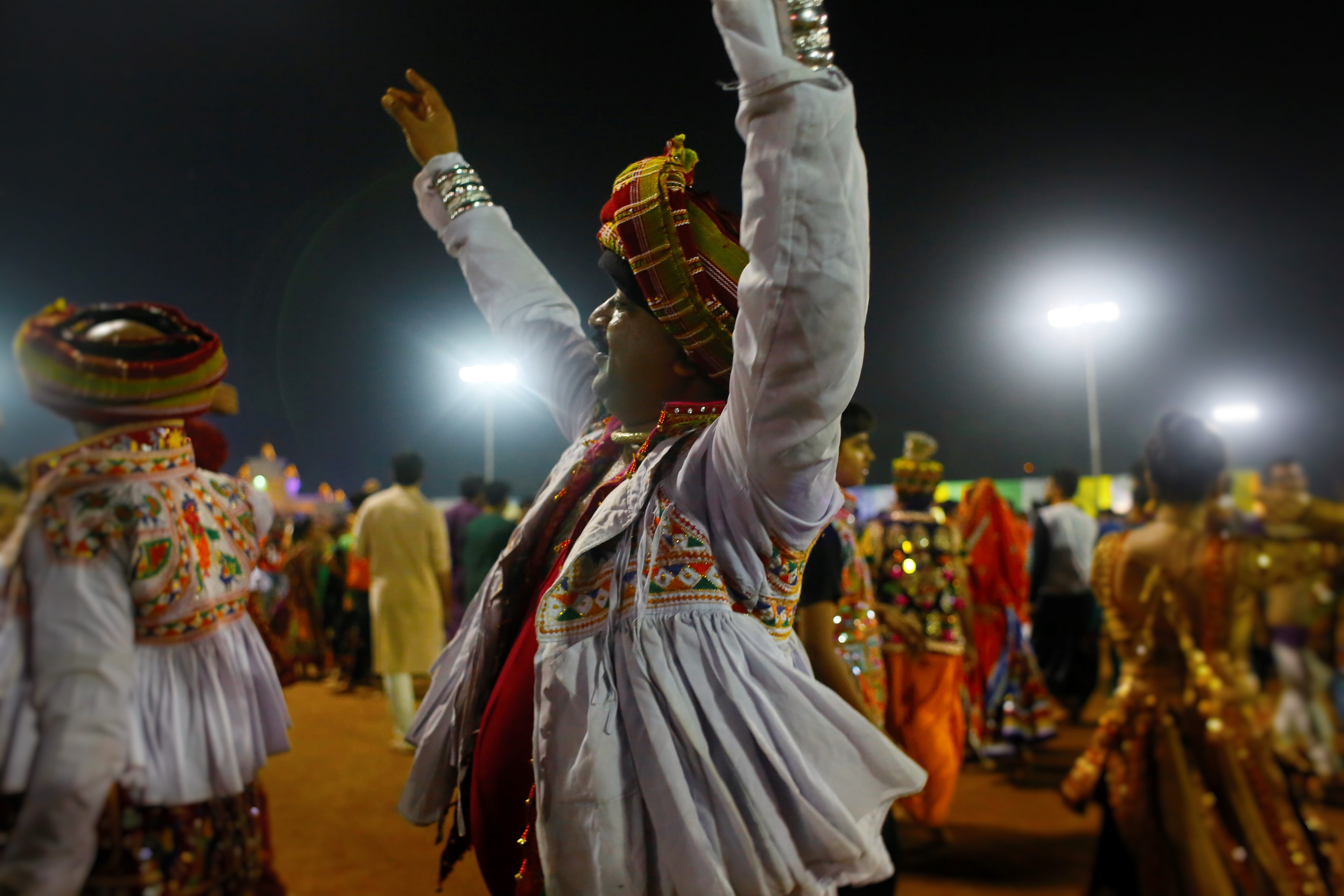 Live Garba- GCF Navli Navratri 2016: Day 8 Garba by Dipti Desai Amit Thakkar Group